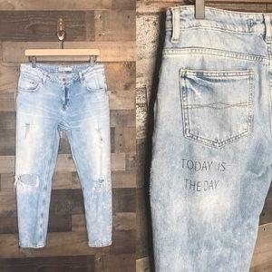 """Zara """"Today is the Day"""" Boyfriend Jeans"""